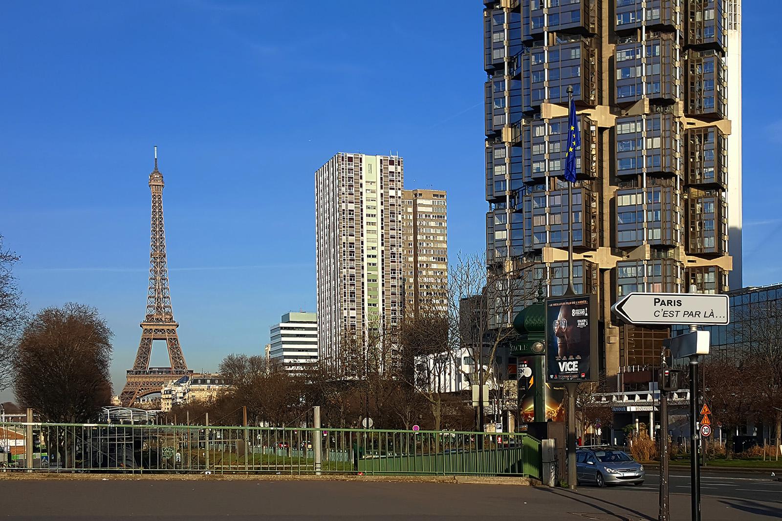 Paris, c'est par là. Pont de Grenelle, Paris